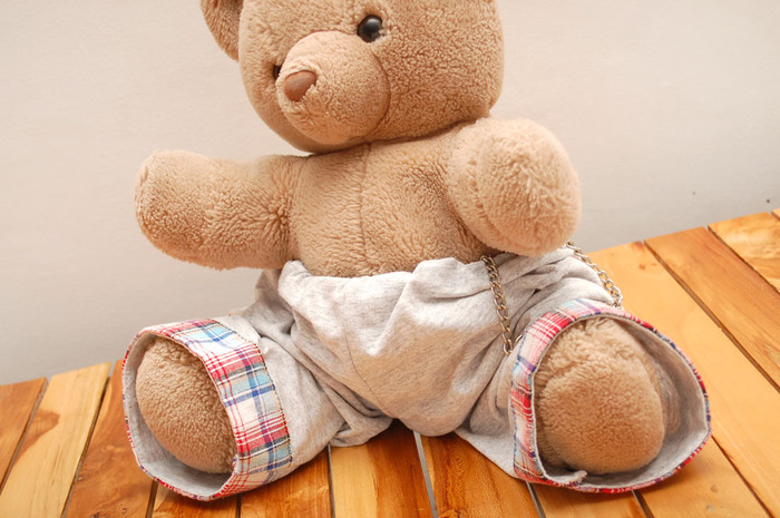 Dress%20up%20a%20Teddy%20Bear%20in%20Hip%20Hop%20With%20Chains%20Intro.jpg