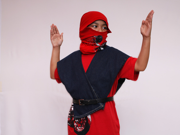 Dress%20Like%20a%20Ninja%20for%20Halloween%20Step%2012.jpg