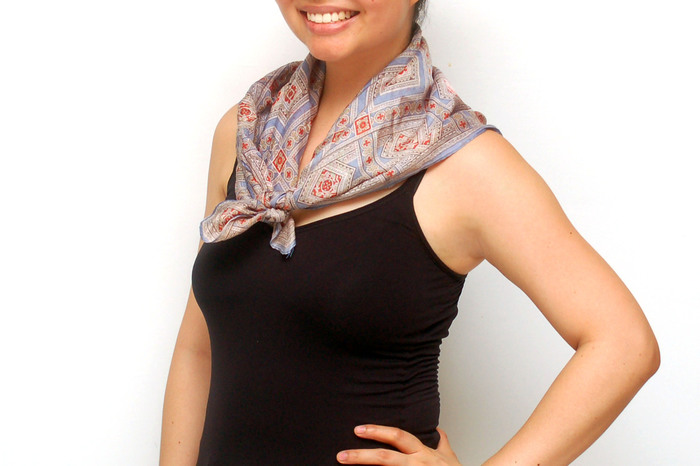 Wear%20a%20Square%20Scarf%20Step%207%20Version%202.jpg